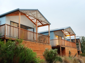 Discovery Holiday Parks Hobart Cosy Cabins - Accommodation Main Beach