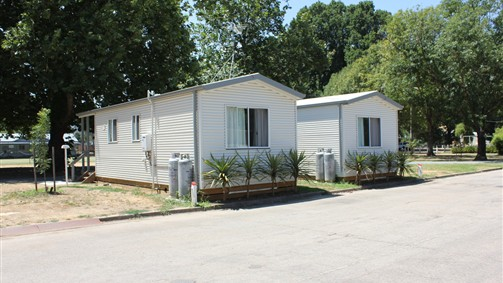 Myrtleford Holiday Park - Accommodation Main Beach