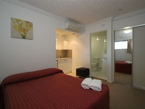 Southern Cross Motel and Serviced Apartments - Accommodation Main Beach