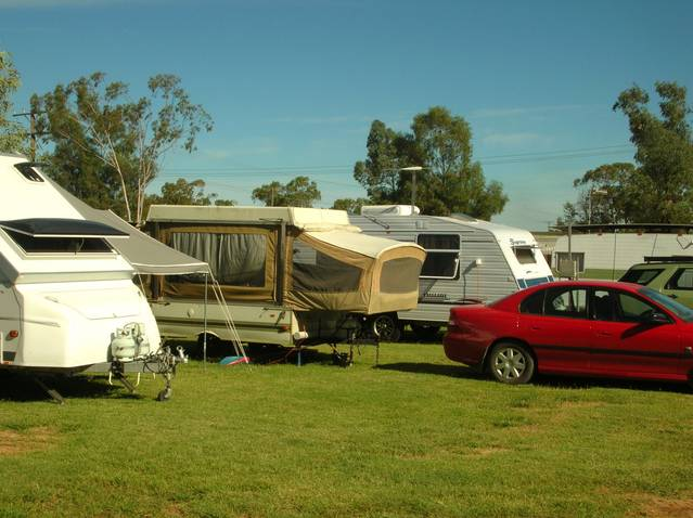 Crocodile Caravan Park - Accommodation Main Beach