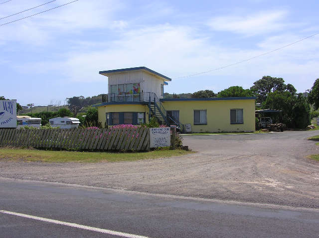 Dutton Way Caravan Park - Accommodation Main Beach