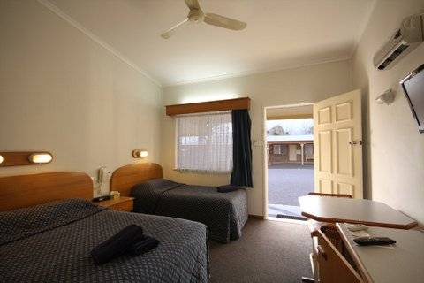 Rest Point Motor Inn and Hereford Steakhouse - Accommodation Main Beach