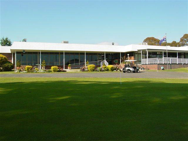 Tenterfield Golf Club and Fairways Lodge - Accommodation Main Beach