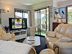 WOMBATS BB - Apartments - AAA 3.5 rated Gosford - Accommodation Main Beach