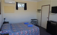Bluey Motel - Lightning Ridge - Accommodation Main Beach