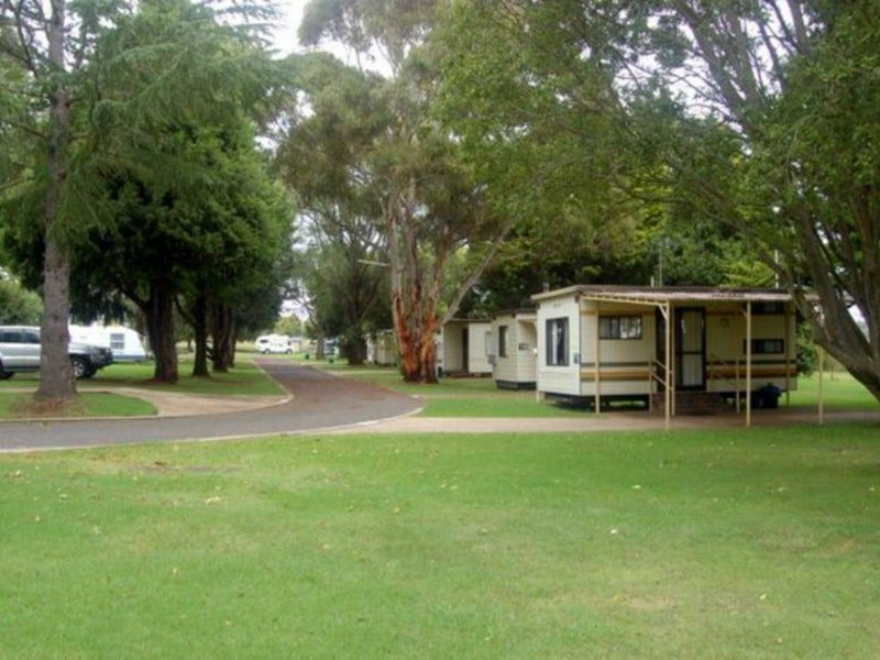 Glen Rest Tourist Park - Accommodation Main Beach