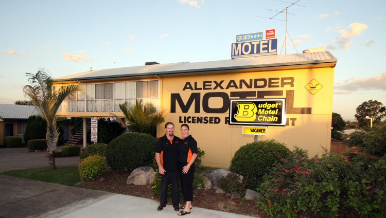 Alexander Motel - Accommodation Main Beach
