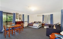 Ambleside Bed and Breakfast Cabins - Accommodation Main Beach