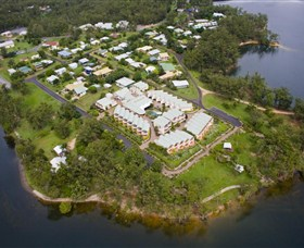 Tinaroo Lake Resort - Accommodation Main Beach