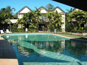 Hinchinbrook Marine Cove Resort Lucinda - Accommodation Main Beach