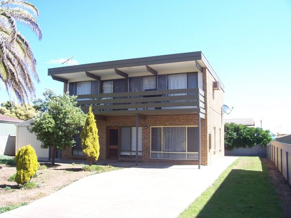 Century 21 SouthCoast Silver Sands - Accommodation Main Beach