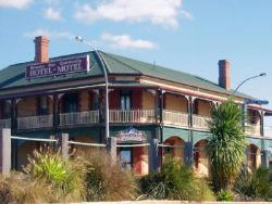 Streaky Bay Hotel Motel - Accommodation Main Beach