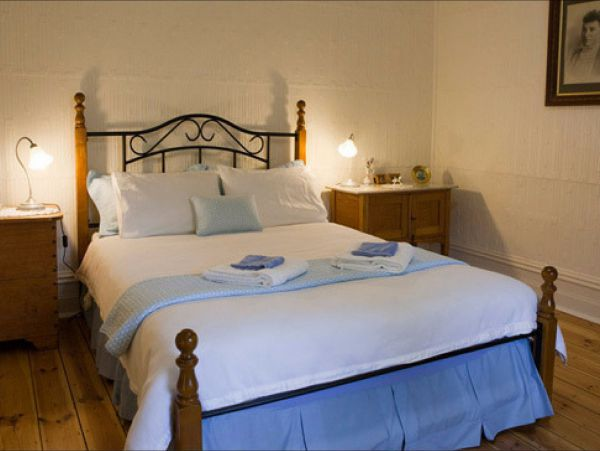 Brown's House Bed & Breakfast - Accommodation Main Beach