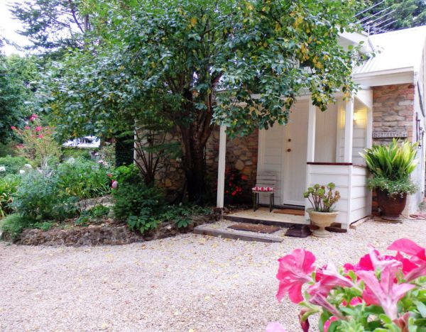 Harcourt Elms Bed And Breakfast - Accommodation Main Beach