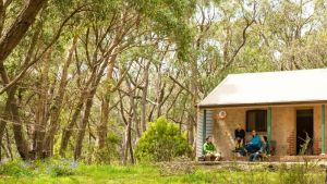 Mount Lofty Cottage YHA - Accommodation Main Beach