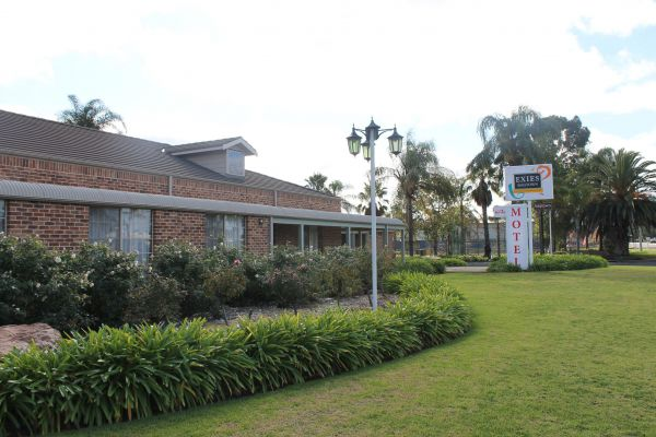 Exies Bagtown Motel - Accommodation Main Beach