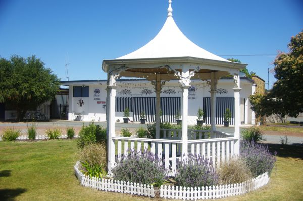 Gazebo Motor Inn - Accommodation Main Beach