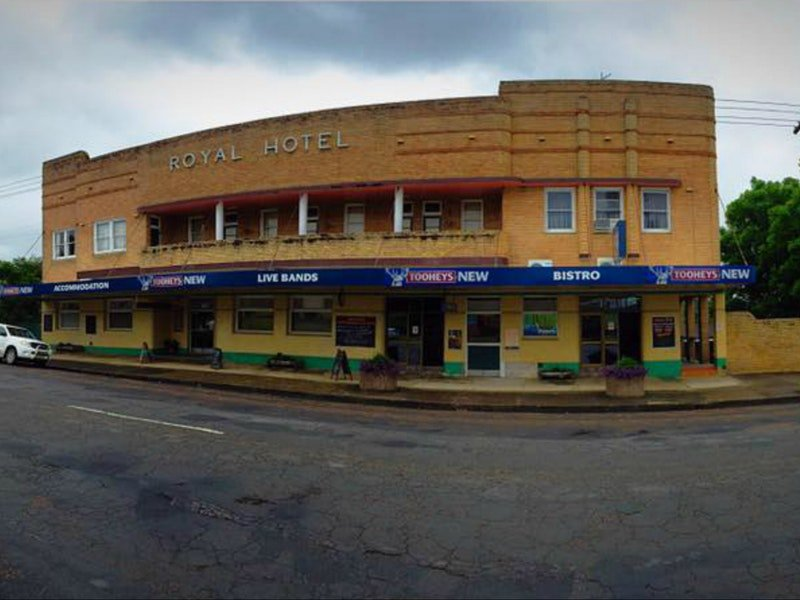 Royal Hotel Dungog - Accommodation Main Beach