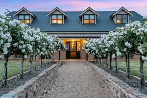 Abbotsford Country House - Accommodation Main Beach