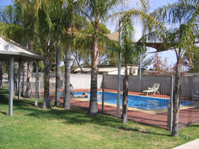 Merredin Caravan Park  Av-A-Rest Village - Accommodation Main Beach