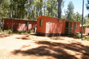 Dwellingup Chalets And Caravan Park - Accommodation Main Beach