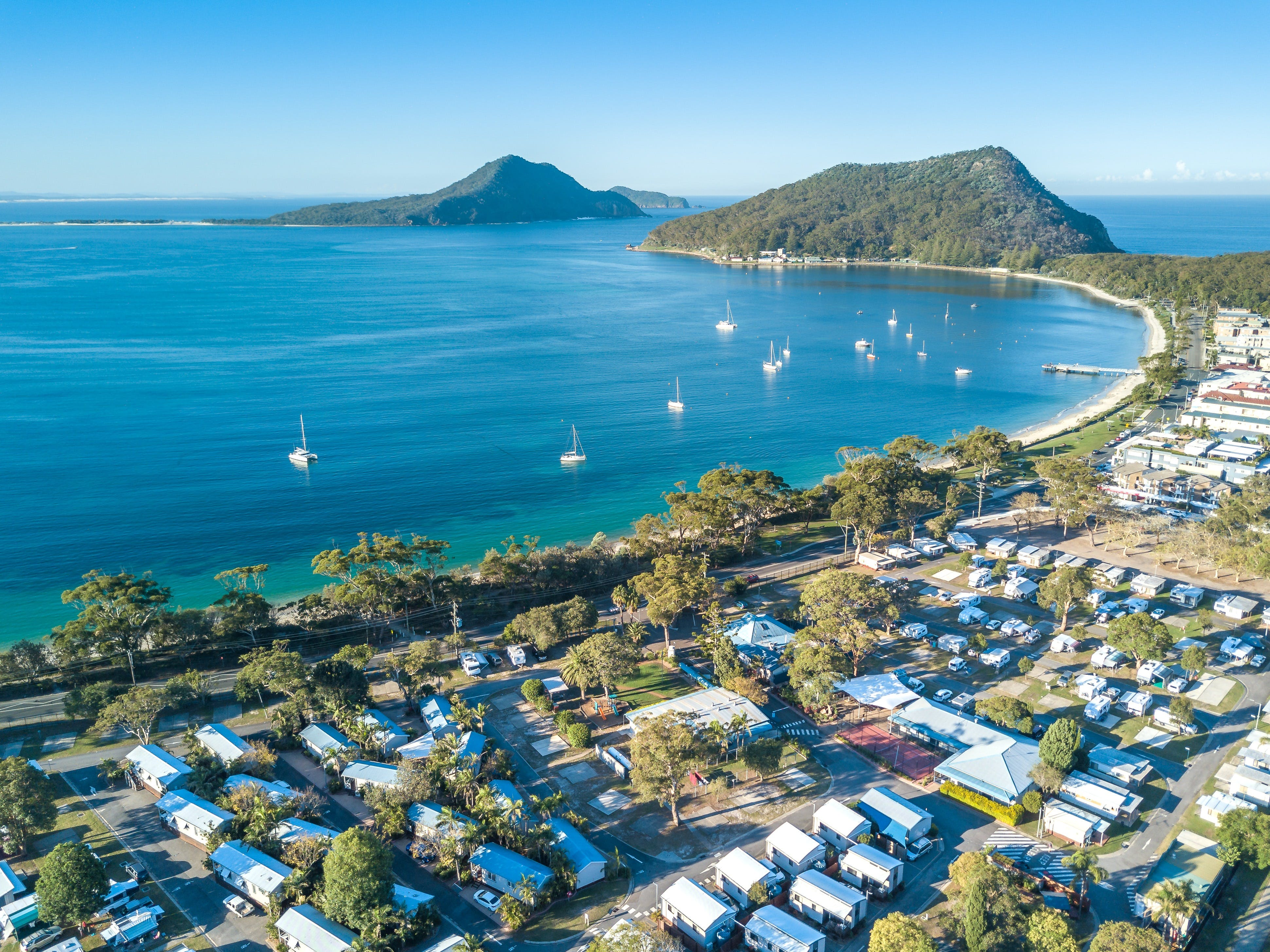 Shoal Bay Holiday Park - Accommodation Main Beach