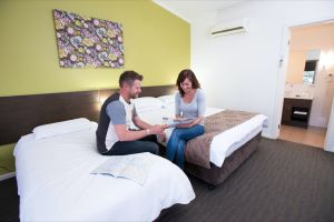 Marion Bay Motel - Accommodation Main Beach