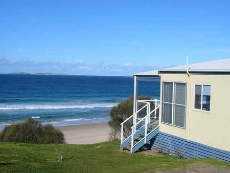 Surfbeach Holiday Park - Accommodation Main Beach