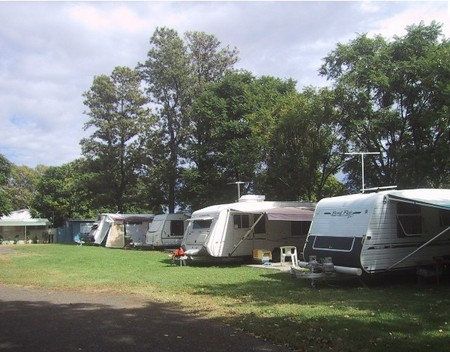 Waioma Caravan Park - Accommodation Main Beach