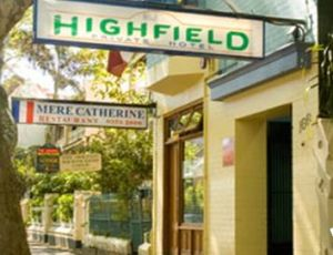 Highfield Private Hotel - Accommodation Main Beach
