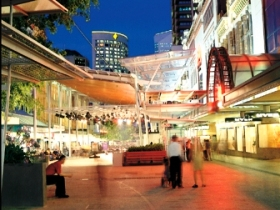 Queen Street Mall - Accommodation Main Beach