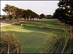 South Lakes Golf Club - Accommodation Main Beach