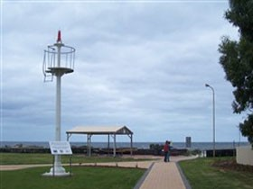 Turnbull Park Centenary Park and Foreshore - Accommodation Main Beach