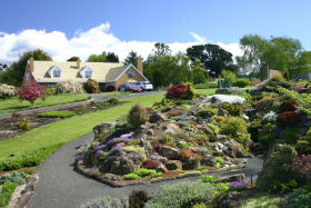 Kaydale Lodge Gardens - Accommodation Main Beach