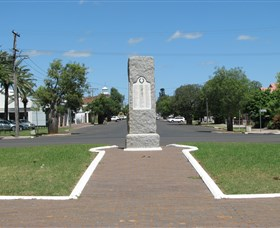 War Memorial and Heroes Avenue