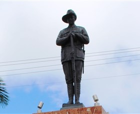 Charters Towers Memorial Cenotaph - Accommodation Main Beach