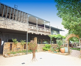 Feathertop Winery - Accommodation Main Beach