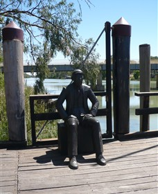 Captain John Egge Statue - Accommodation Main Beach
