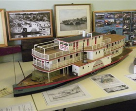 Wentworth Model Paddlesteamer Display - Accommodation Main Beach