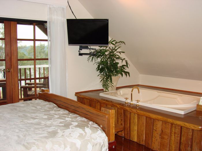 Clarence River Bed and Breakfast - Accommodation Main Beach