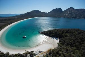 Wineglass Bay Cruise from Coles Bay - Accommodation Main Beach