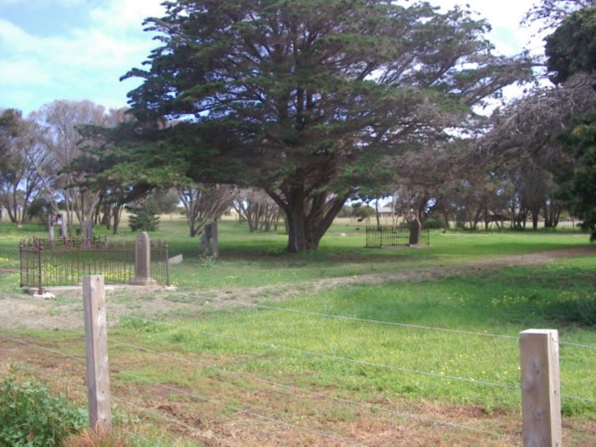 Old Cemetery Kingscote - Accommodation Main Beach
