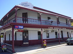 Lord Exmouth Hotel - Accommodation Main Beach