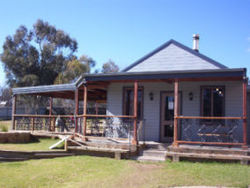 The Globe Hotel. Rylstone - Accommodation Main Beach