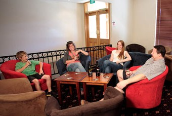 Hibernian Hotel Beechworth - Accommodation Main Beach