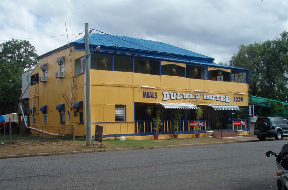 Dululu Hotel - Accommodation Main Beach