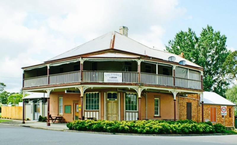The Victoria Hotel Hinton - Accommodation Main Beach