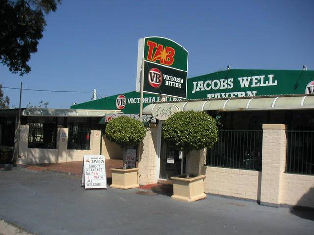 Jacobs Well Bayside Tavern - Accommodation Main Beach