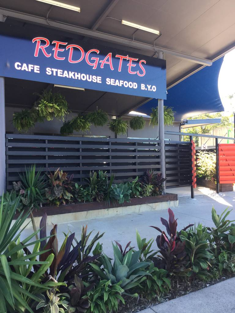 Redgates Caf Steakhouse Seafood - Accommodation Main Beach