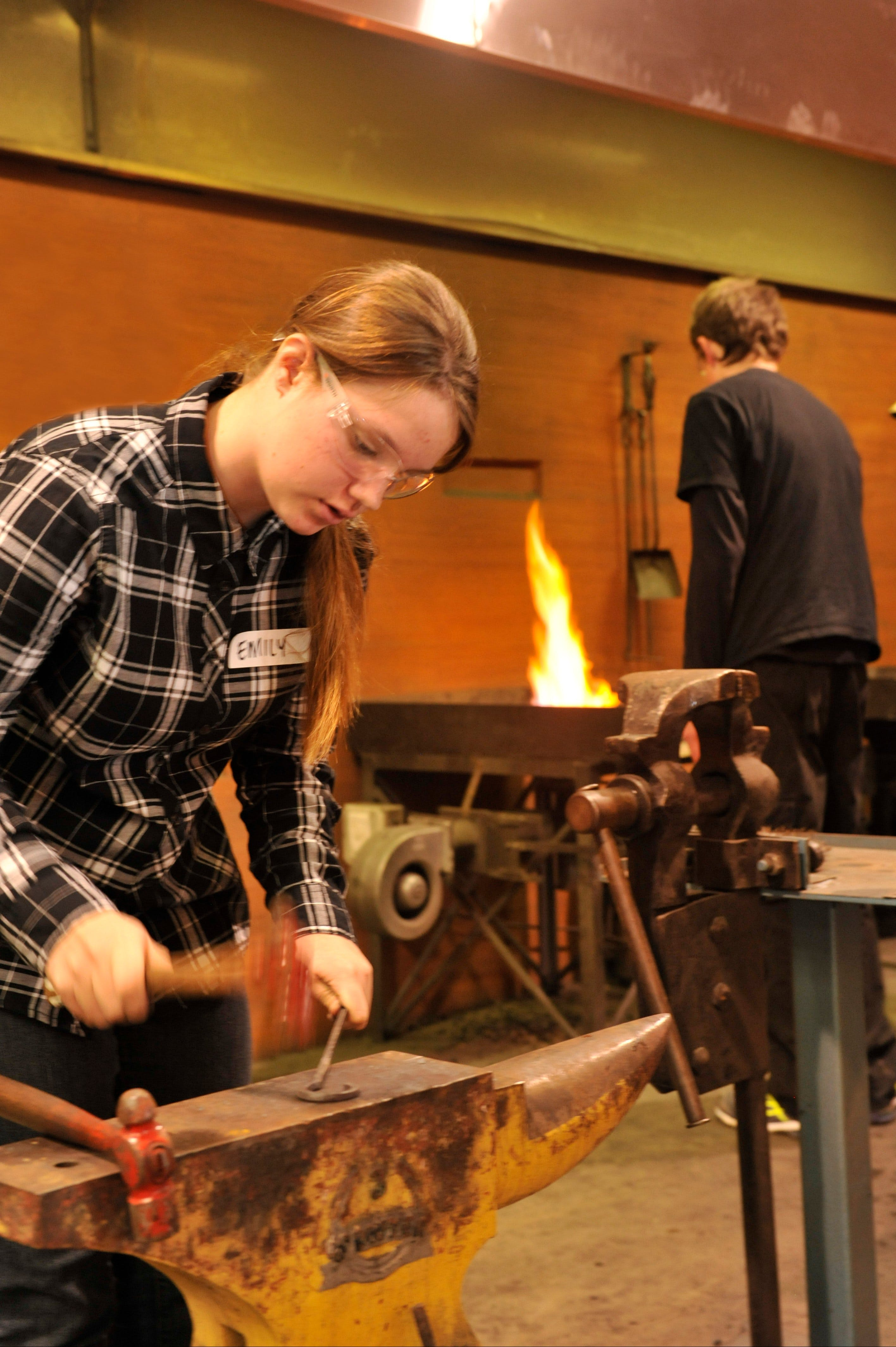 Blacksmithing Teen Workshop - Accommodation Main Beach